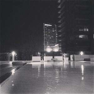 Black and white evo pool